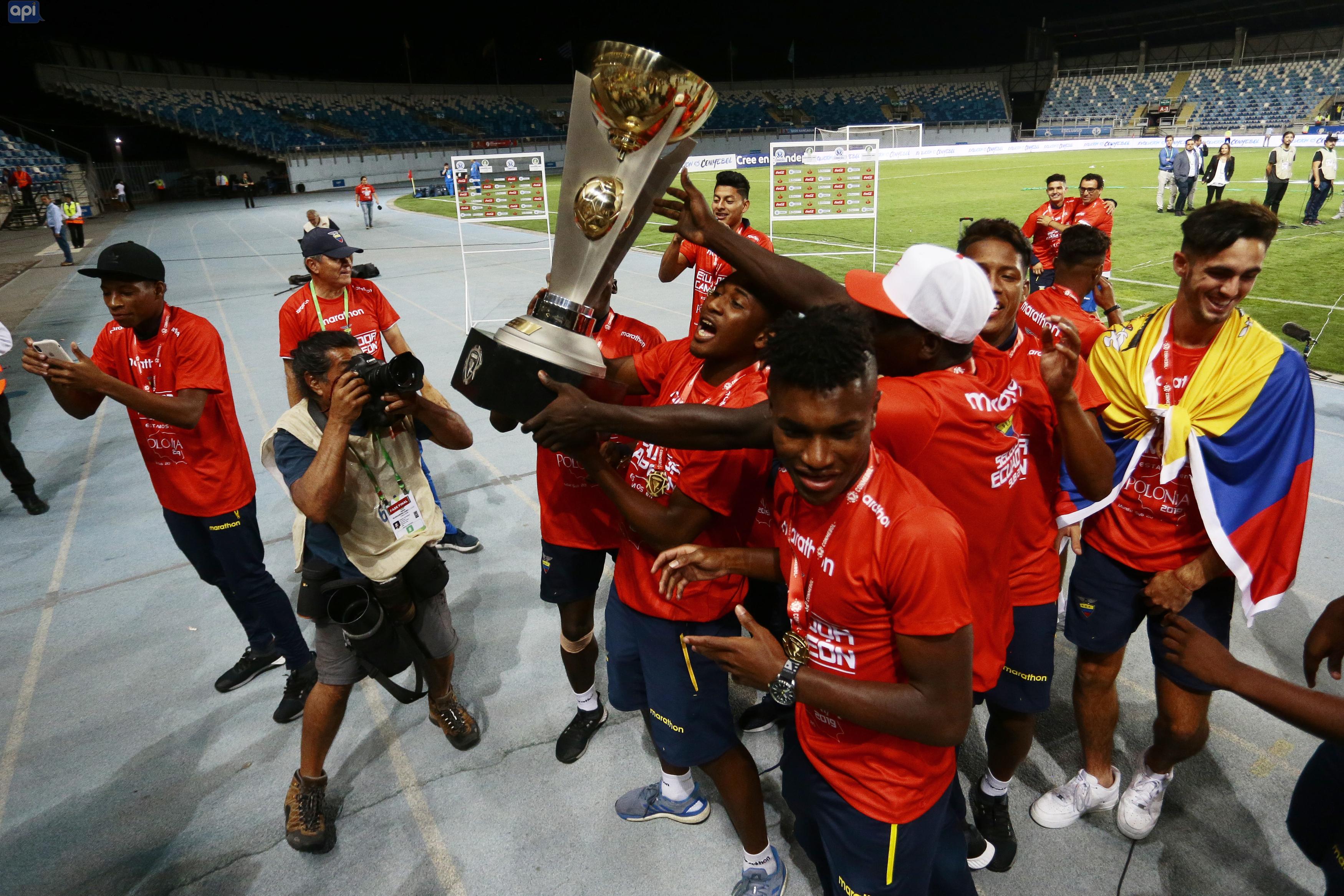 """""""¡Qué alegría tan grande! Por primera vez nuestro Tri se consagra campeón Sudamericano Sub-20. Felicitaciones por el triunfo"""", escribió Lenín Moreno"""