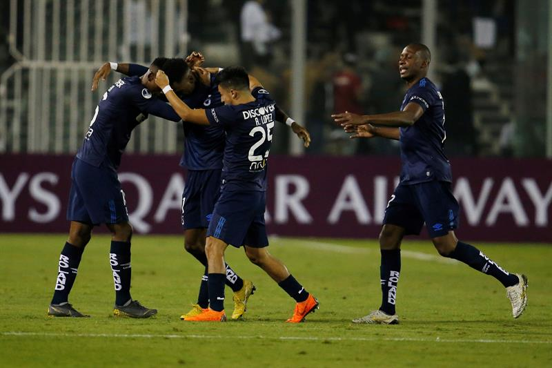 Soñada clasificación de los 'camaratas' en suelo araucano. Mira los detalles de la victoria de la 'Chatoleí' en Copa Sudamericana