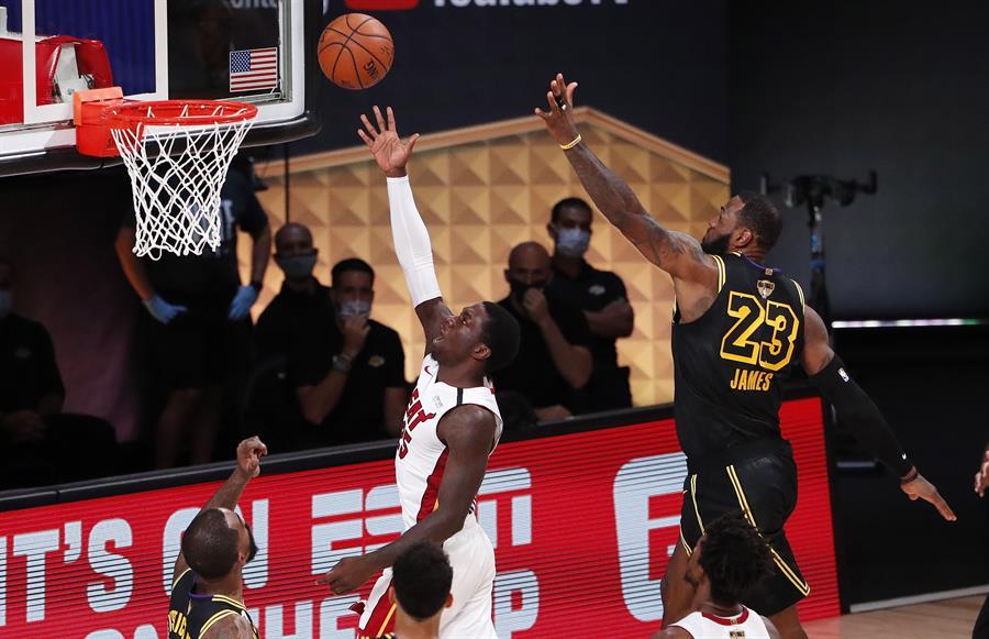 Los de Miami se impusieron a Lakers y forzaron un sexto partido en las Finales de la NBA
