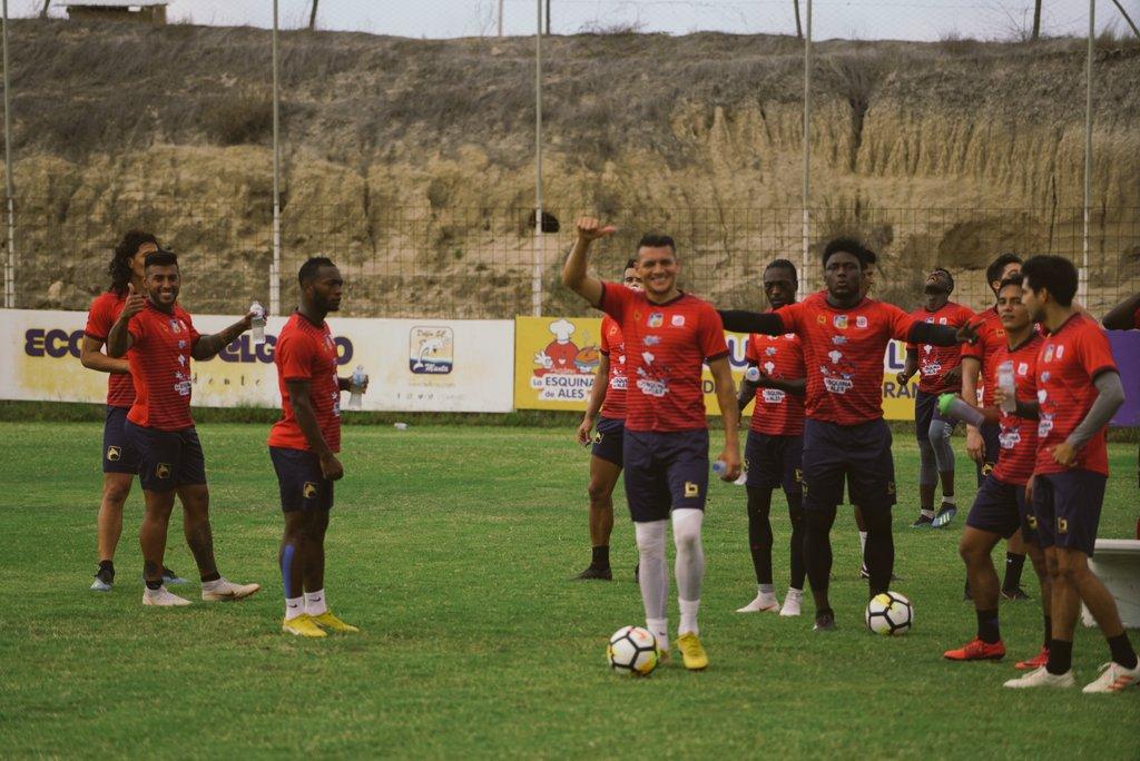 Delfín confirmó que el martes 15 de enero presentará al equipo y su nueva piel ante un rival mexicano