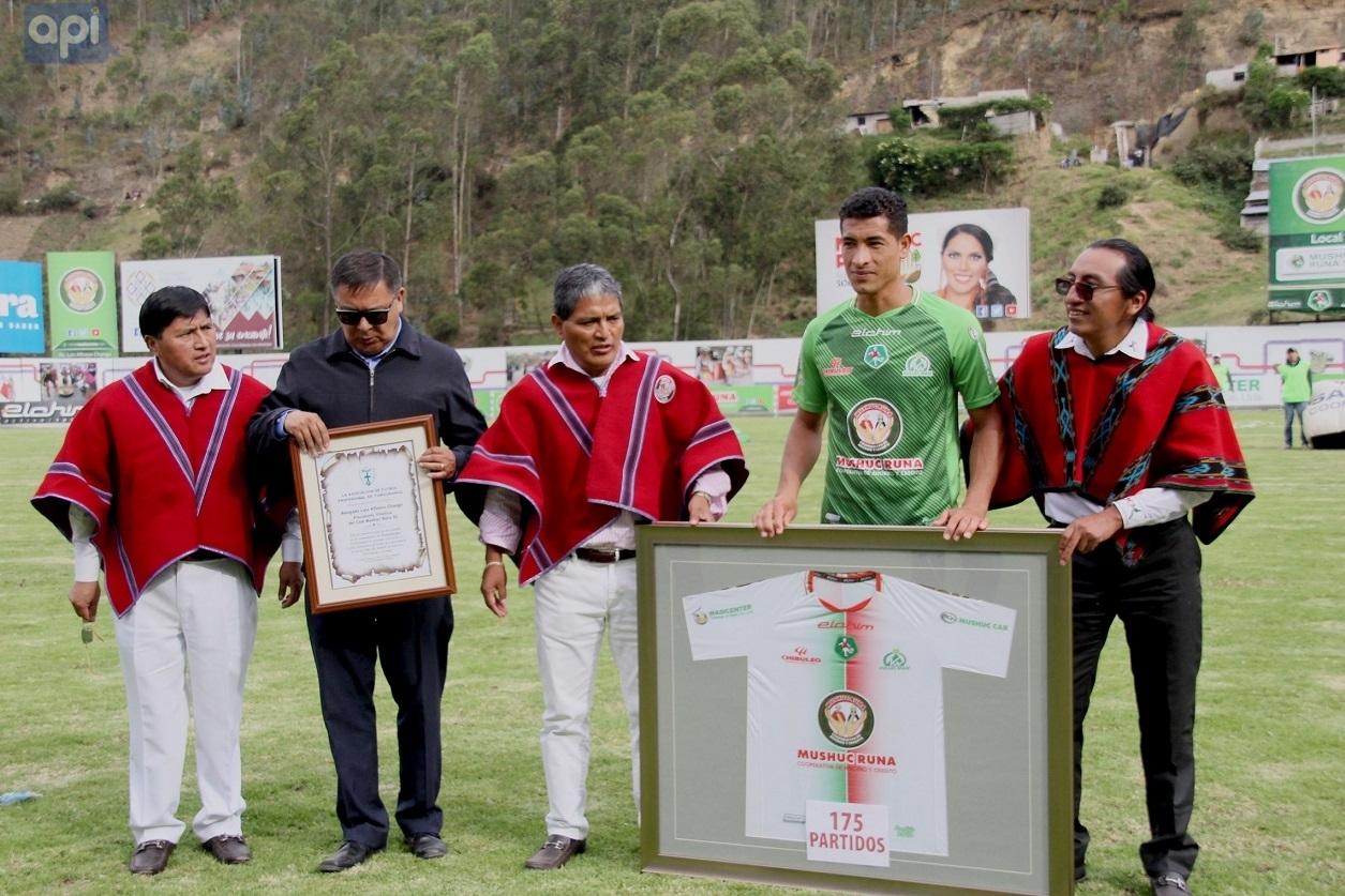 """Luis Chango, presidente de Mushuc Runa, confirmó que """"está todo encaminado"""" para que el ex seleccionado argentino visite el club"""