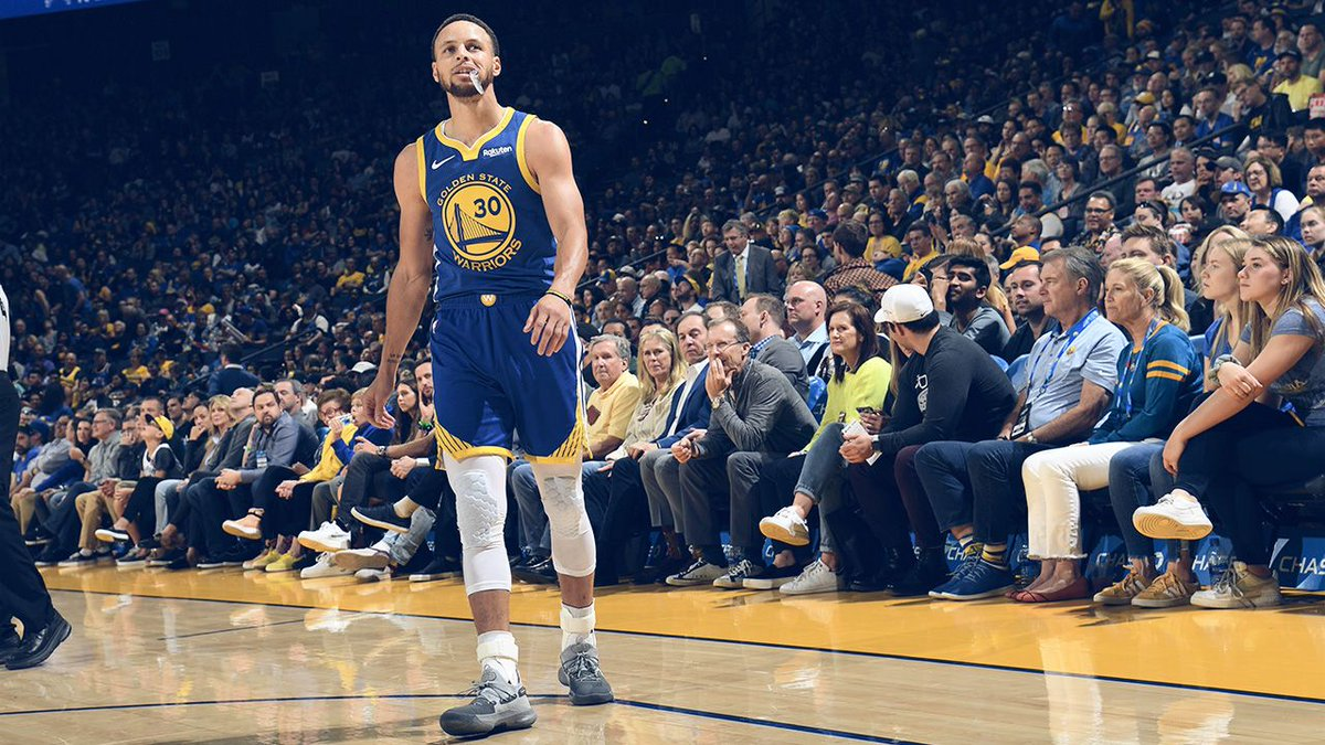 El base Stephen Curry anotó 25 puntos, incluidos cinco triples, y volvió a ser el líder del ataque de los Warriors