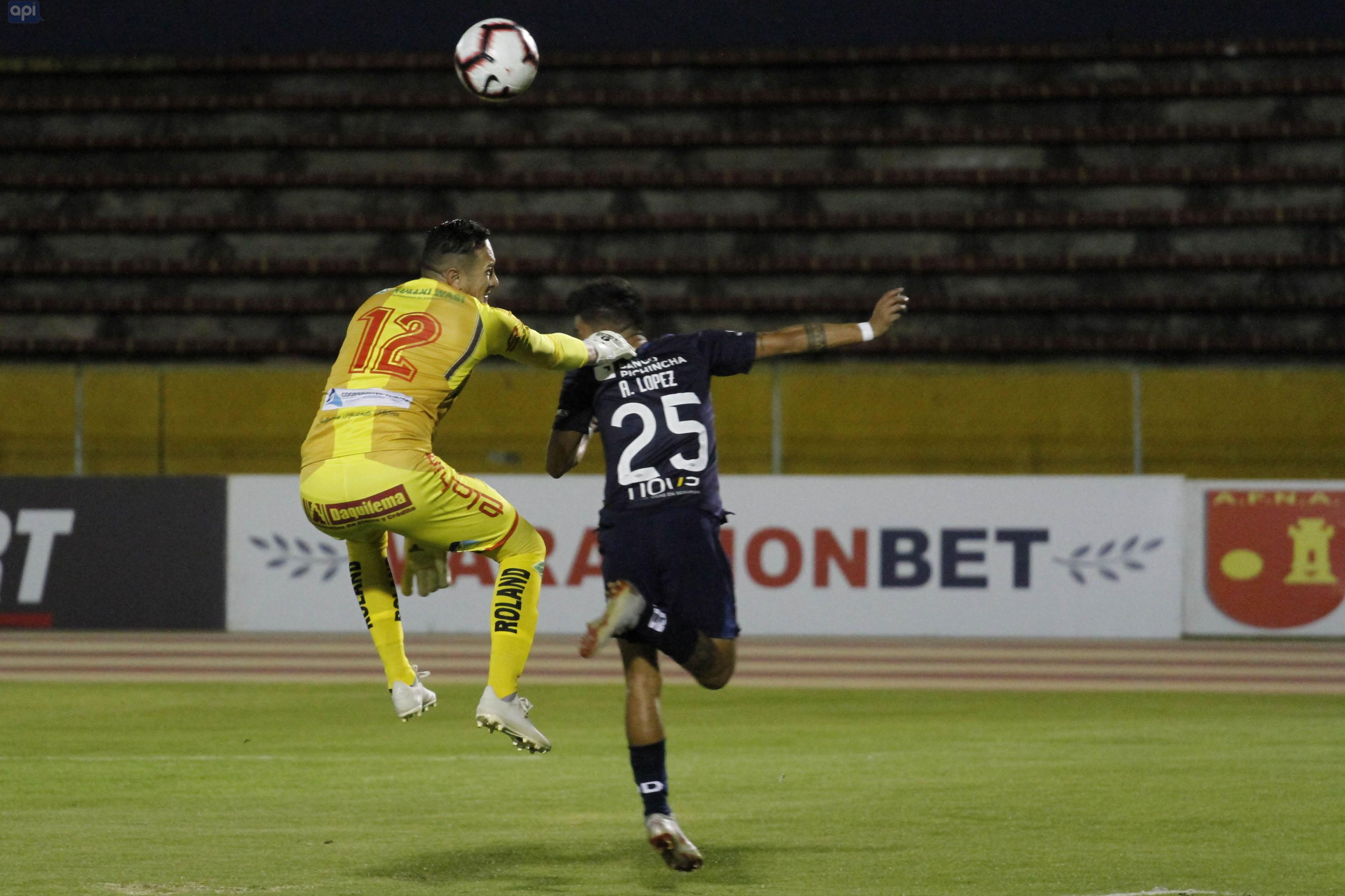 El paraguayo decidió rescindir su contrato por desavenencias con Luis Chango