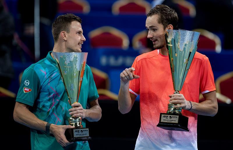 El ruso Daniil Medvedev ganó su cuarto título ATP este domingo en Sofia, al imponerse en la final al húngaro Marton Fucsovic