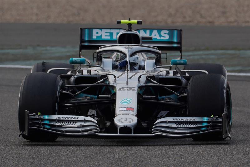 Ubicación de los pilotos para la salida dominical. Bottas y Hamilton saldrán desde la primera fila en el GP de China