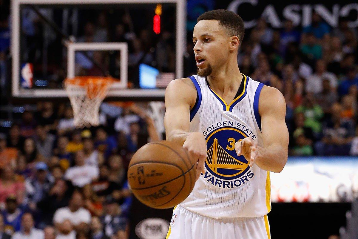 El base estelar Stephen Curry y el escolta Klay Thompson aportaron 20 puntos cada uno como líderes encestadores de los Warriors