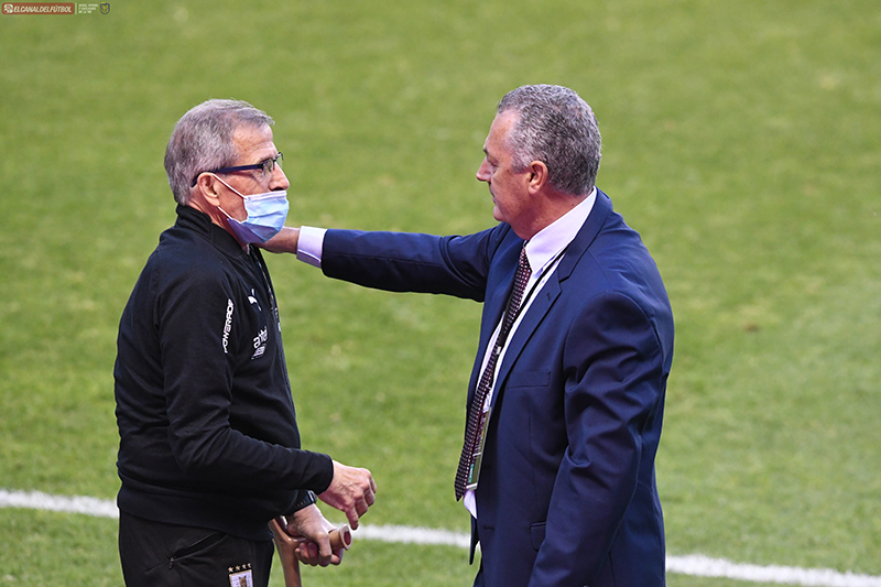 El seleccionador uruguayo fue bastante crítico del rendimiento de su selección