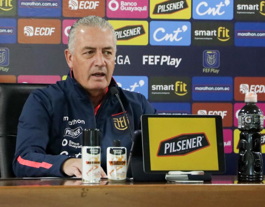 El técnico nacional defendió el rendimiento de los jugadores y confía en mejorar