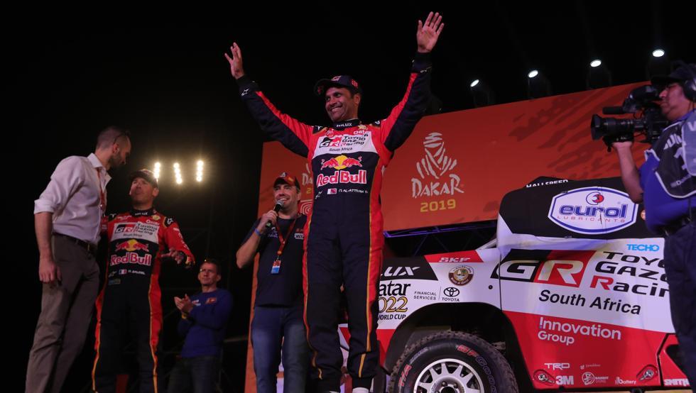 Al-Attiyah y Sainz llegaron casi a la par a la meta de esta primera etapa del rally, que se disputó entre las ciudades de Lima y Pisco