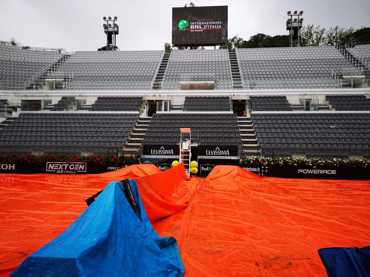 Se preveía el debut de Novak Djokovic, Rafa Nadal y Roger Federer. En la rama femenina iba a hacer su aparición Naomi Osaka