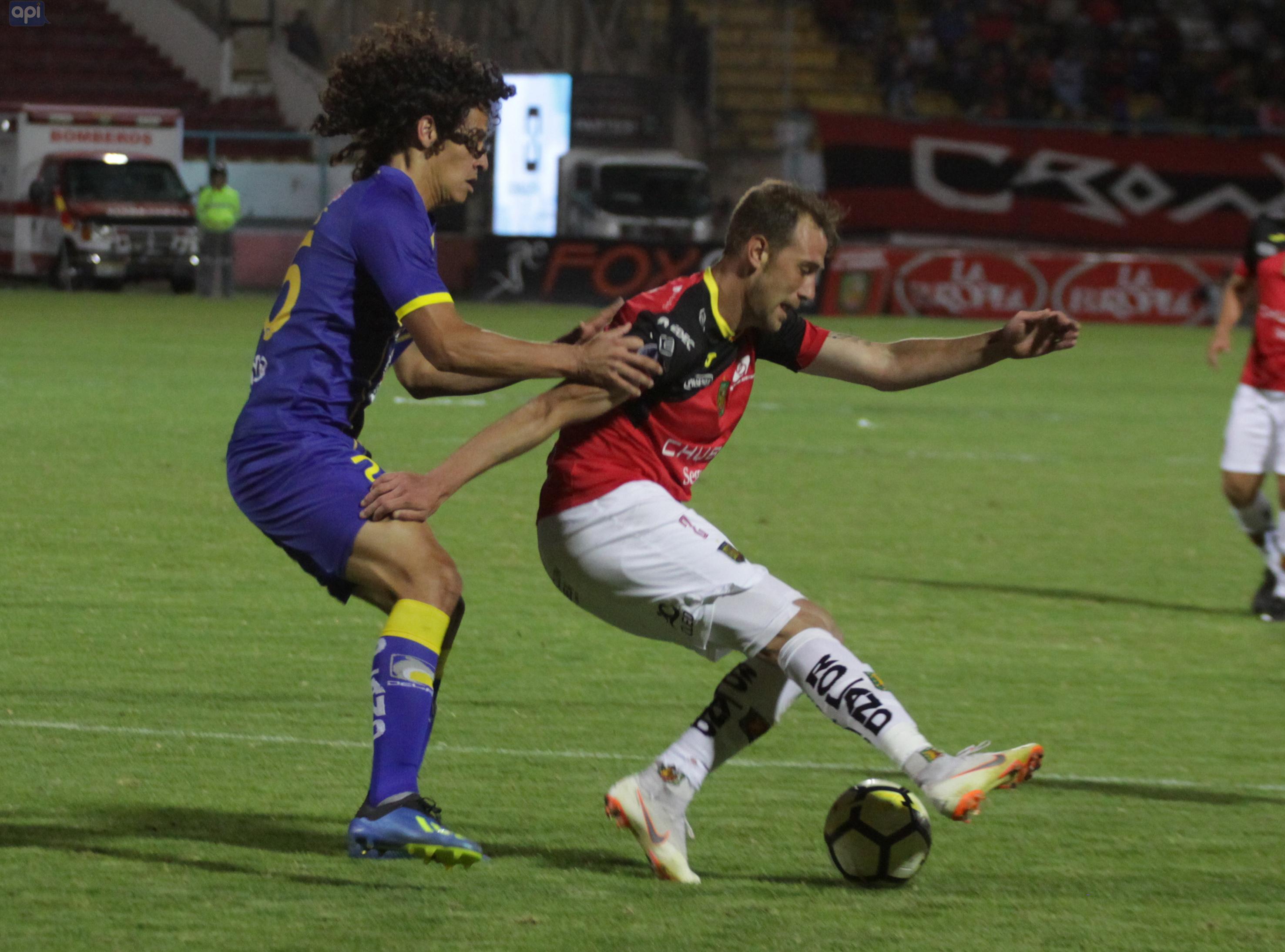 El zaguero, quien está en proceso de recuperación de su lesión, aseguró que todo está acordado de palabra para continuar en Deportivo Cuenca