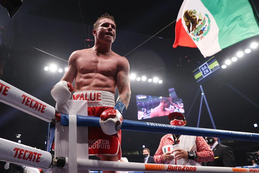 El mexicano no tuvo problemas para imponerse a Callum Smith