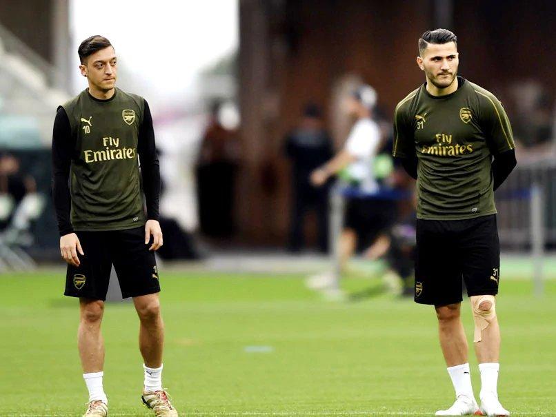 """El Arsenal, equipo donde milita el alemán, comunicó que ni él ni Sead Kolasinac jugarían contra el Newcastle United por """"motivos de seguridad"""""""