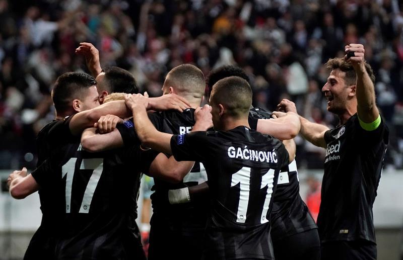El Eintracht Fráncfort se clasificó para las semifinales de la Liga Europa junto al Arsenal, Chelsea y el Valencia