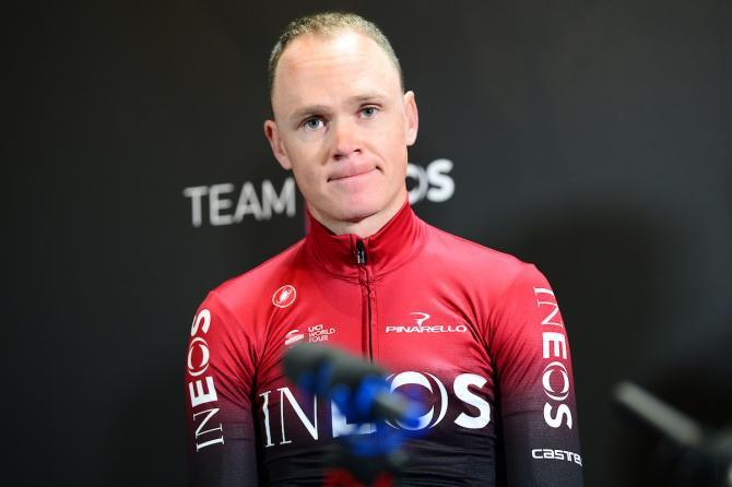 El ciclista chocó contra un muro en el kilómetro 11 de la crono y no participará en el Tour que arranca el 6 de julio en Bruselas