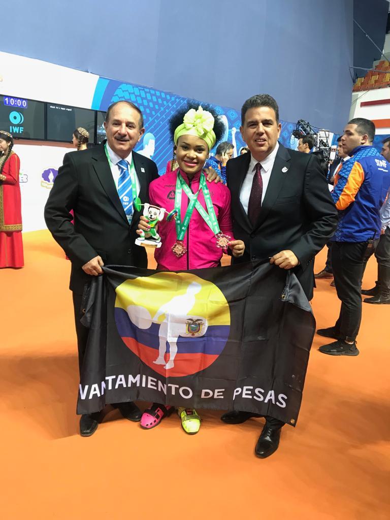 La ecuatoriana se ubicó en el tercer lugar en arranque y en la misma posición en la tabla general
