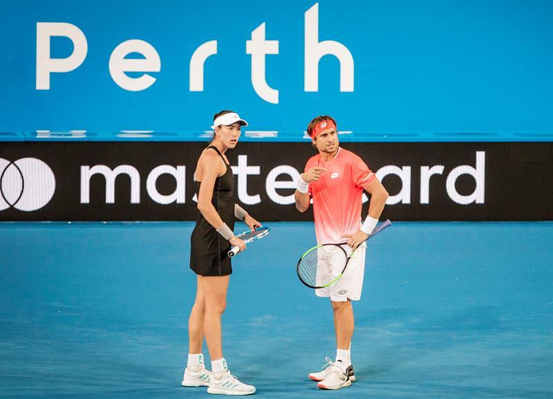 Los españoles Garbiñe Muguruza y David Ferrer perdieron sus primeros partidos en la Copa Hopman que se disputa en Perth, Australia