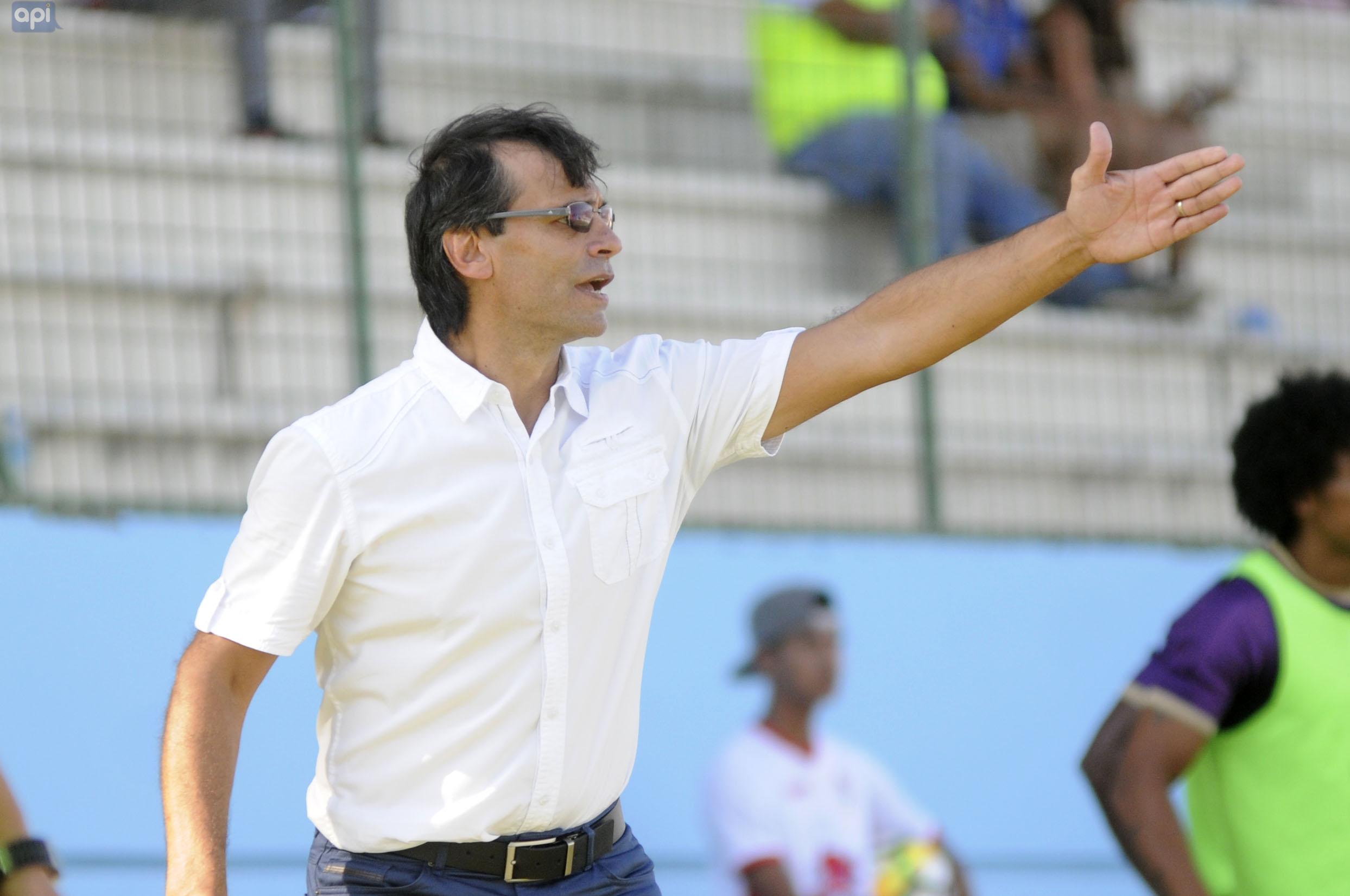 Fabián Bustos destacó la victoria de Delfín sobre el Atlético Nacional pero espera mejorar para sellar el pase de ronda en Libertadores