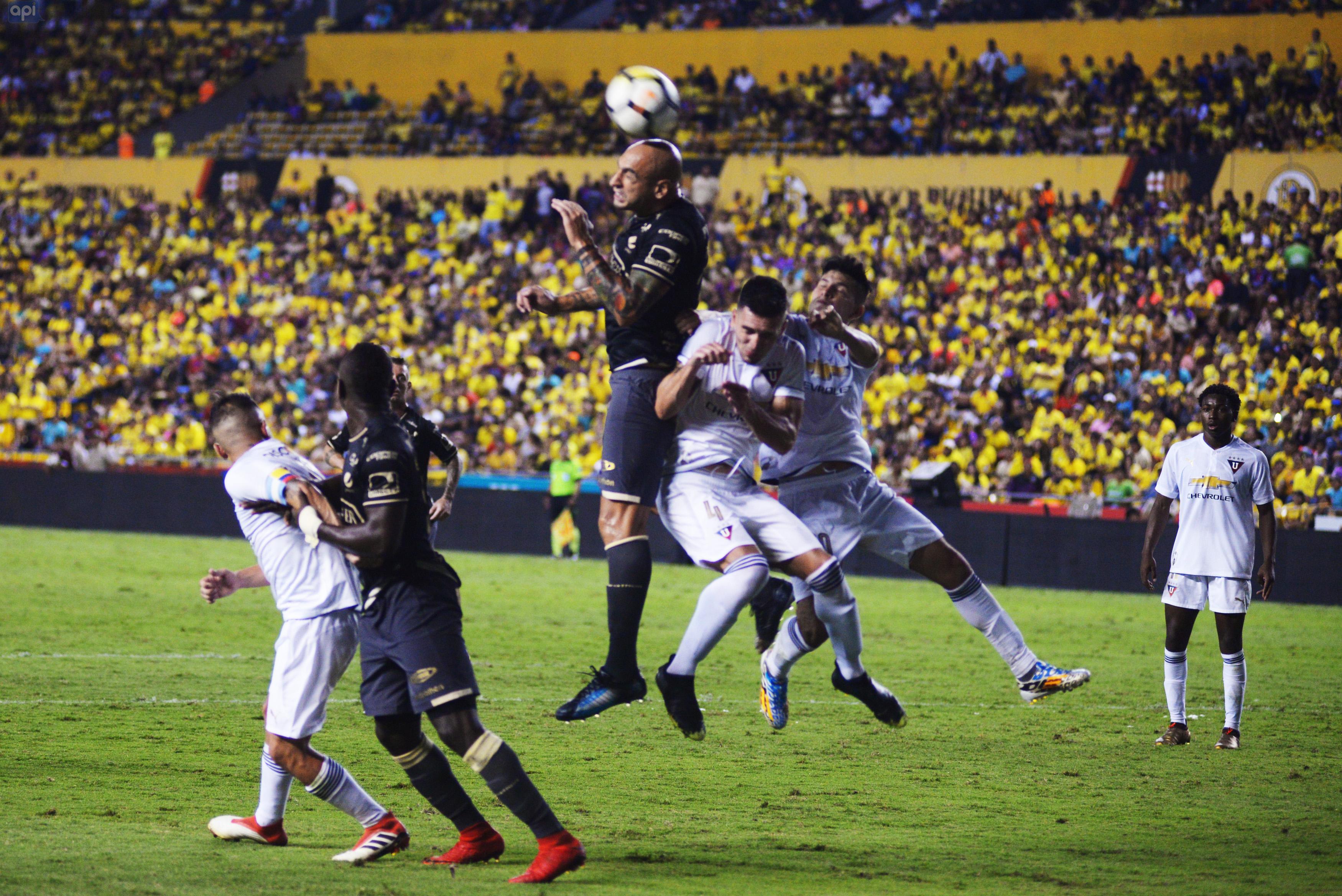 Amílcar Mantilla informó que la FEF aprobó la realización de la Copa Ecuador y aseguró que arrancará este 2018