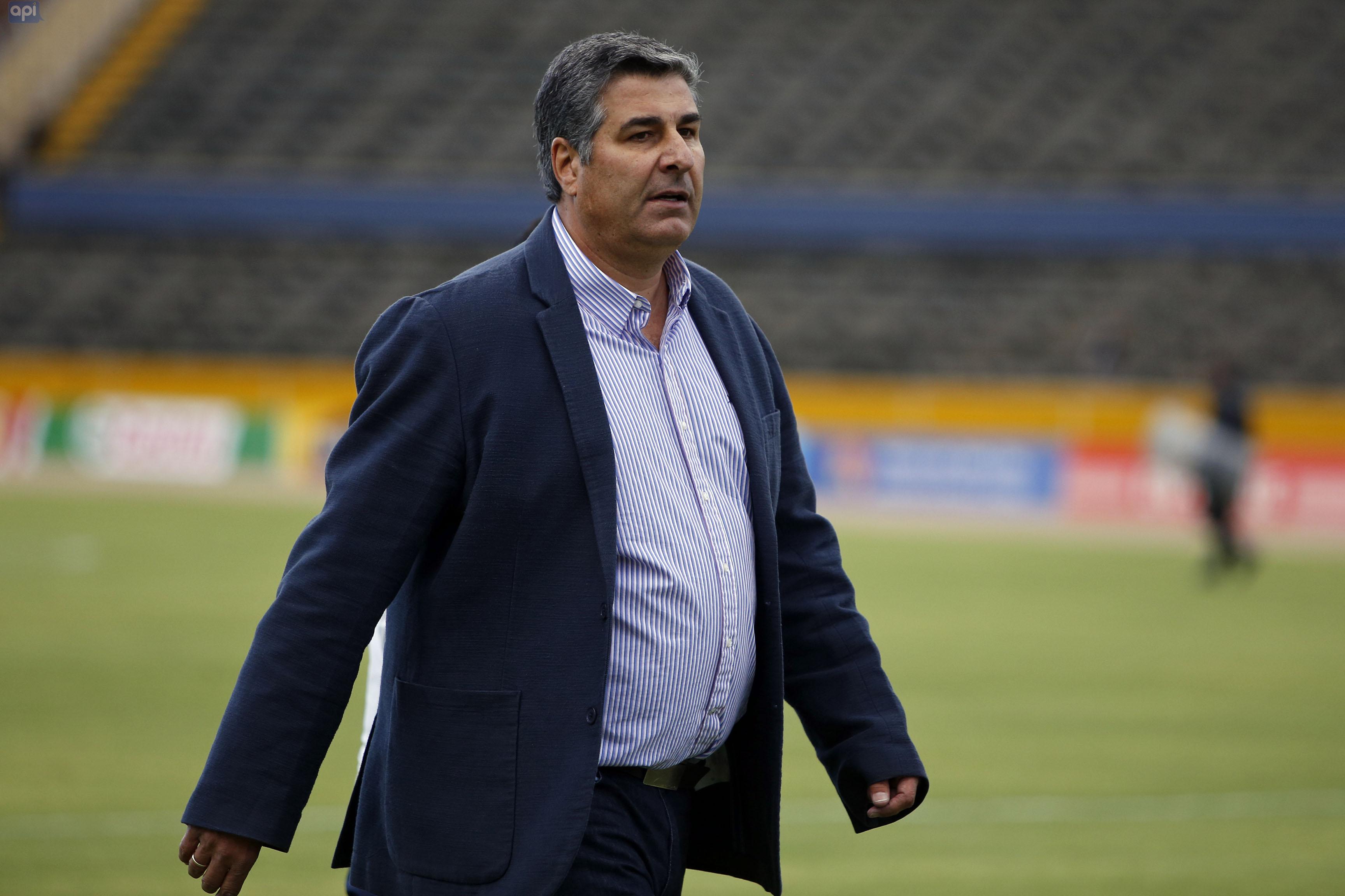 Santiago Escobar, técnico de Universidad Católica, palpita con cautela el duelo de este sábado contra los manabitas