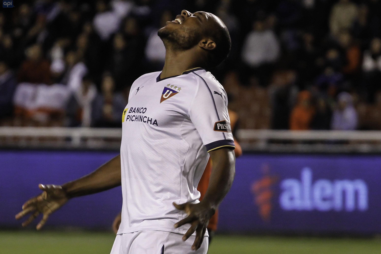 Esteban Paz aseguró que esta semana se concreta la situación de los dos delanteros en Liga de Quito