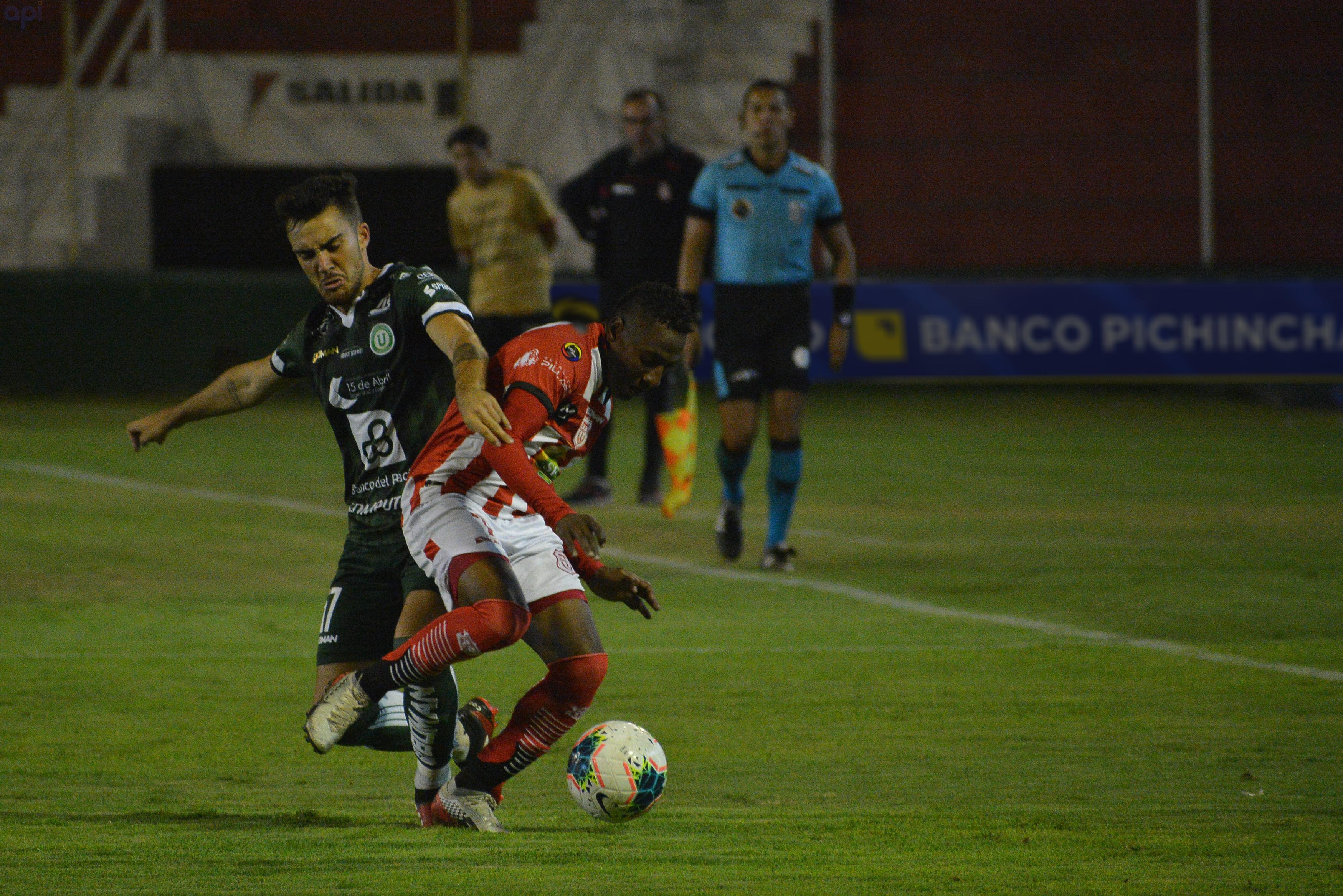 Ismael Rescalvo se refirió al futuro del volante uruguayo, quien terminó su préstamo con Liga de Portoviejo