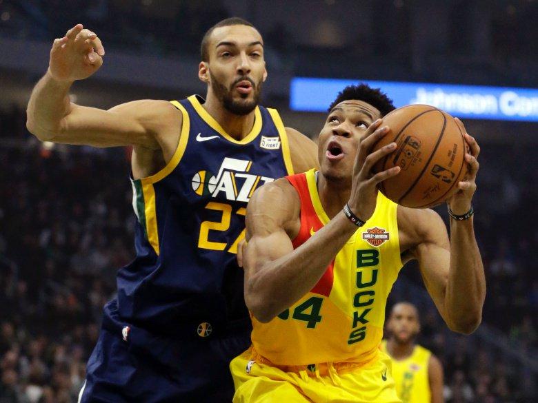 Antetokoumpo aportó un doble-doble de 30 puntos y 10 rebotes que lo dejaron al frente del ataque balanceado de los Bucks que vencieron de locales por 114-102 a los Jazz de Utah