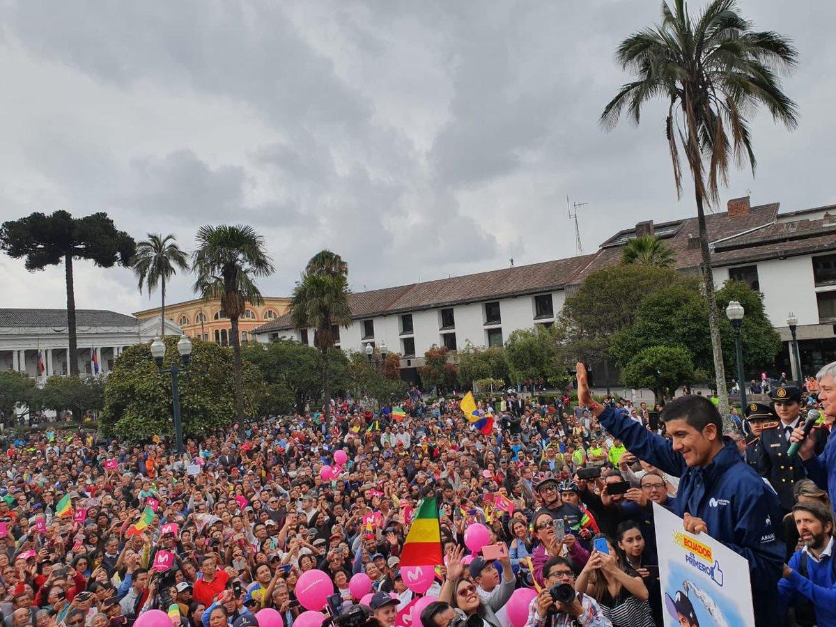 El ciclista ecuatoriano fue homenajeado por el Gobierno y Municipio de Quito. Próxima parada, su natal Tulcán