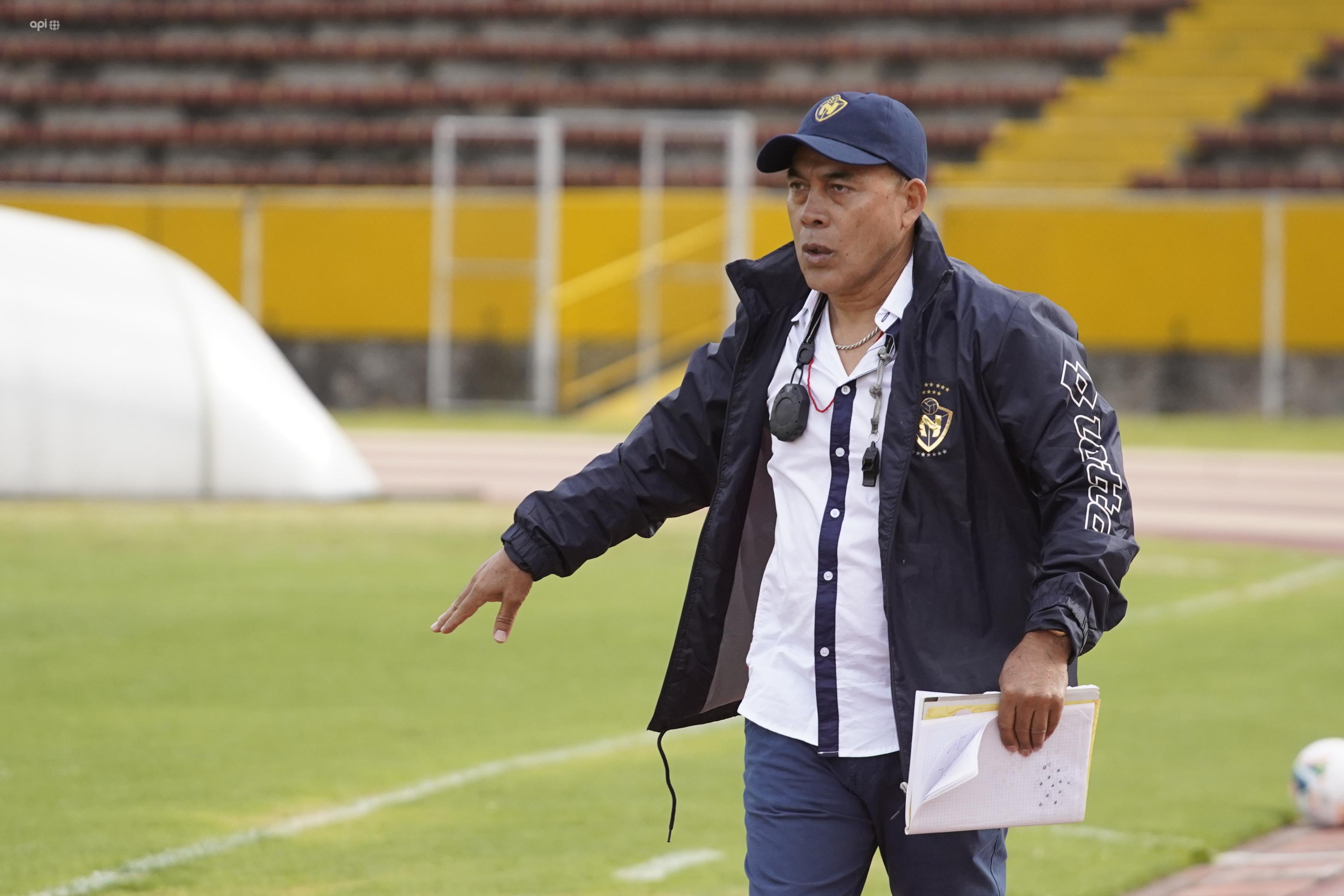 Edison Méndez asumirá el cargo, en plena crisis 'militar' (separado únicamente por el gol diferencia de la zona de descenso)