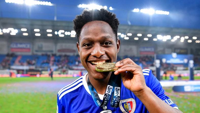 El ecuatoriano fue elegido como el mejor jugador del campeonato polaco
