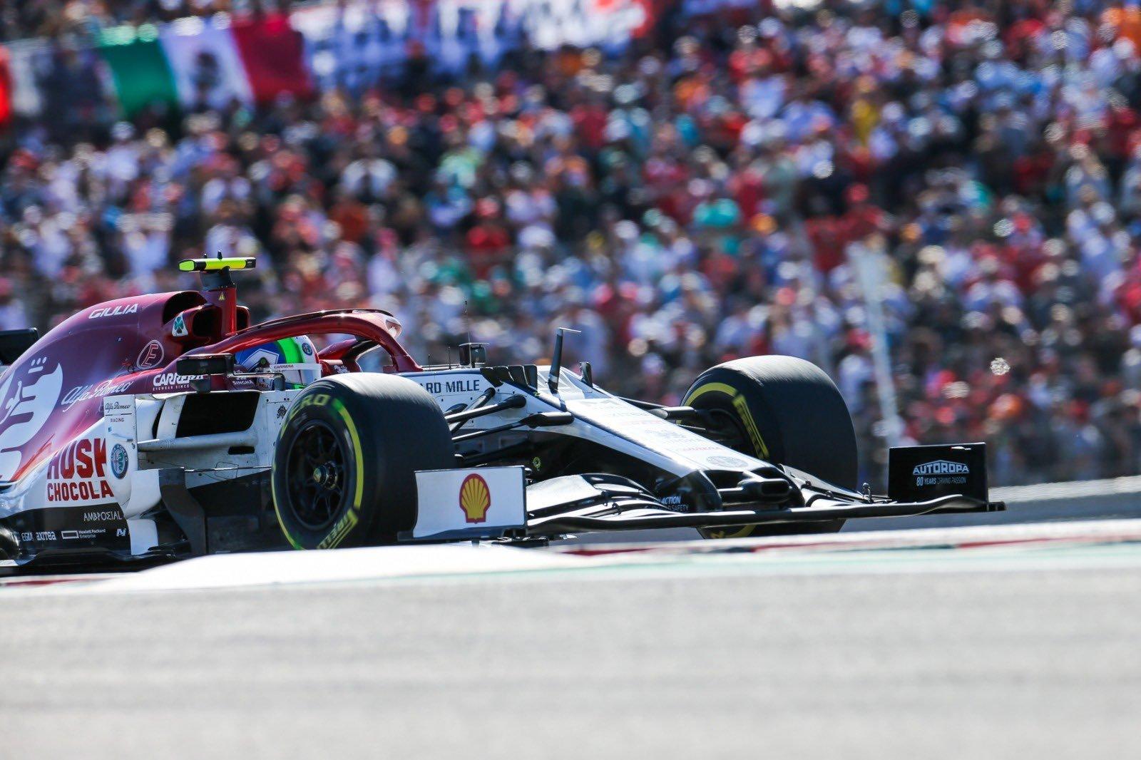 El piloto italiano volverá a ser compañero de Räikkönen para el Mundial del próximo
