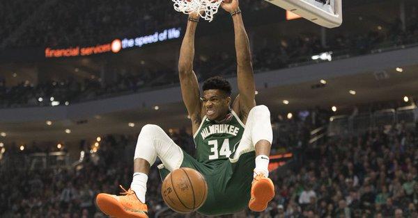 Antetokounmpo se reincorporó al equipo y con un doble-doble de 28 puntos y 11 rebotes, los Bucks vencieron a domicilio por 121-131 a los Nets de Brooklyn