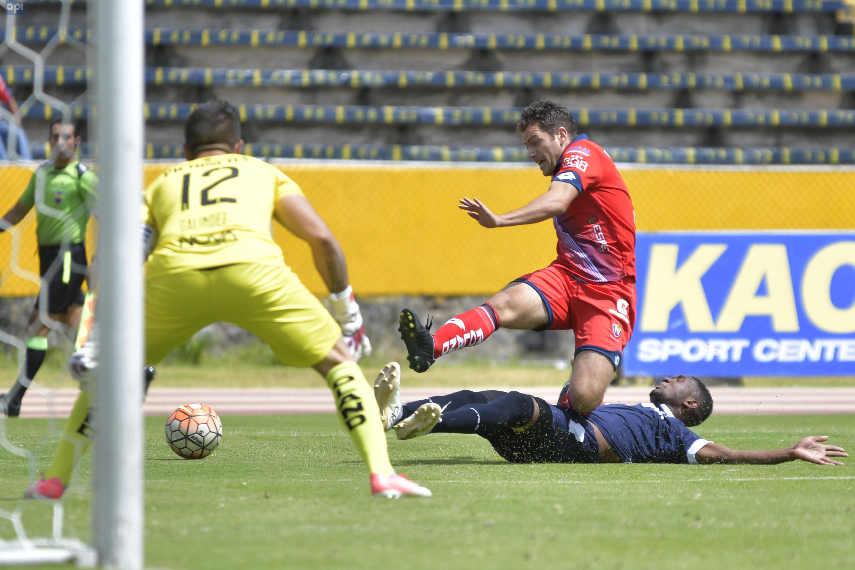 El centrocampista deja el equipo 'militar' por falta de minutos, su futuro estaría en otro equipo de Serie A