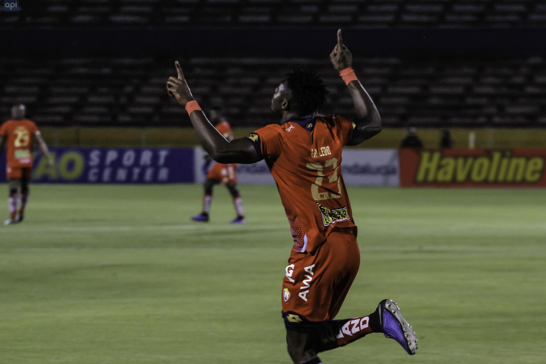 Dos partidos de suspensión para Bedoya y Caicedo dejó el encuentro entre El Nacional y Deportivo Cuenca