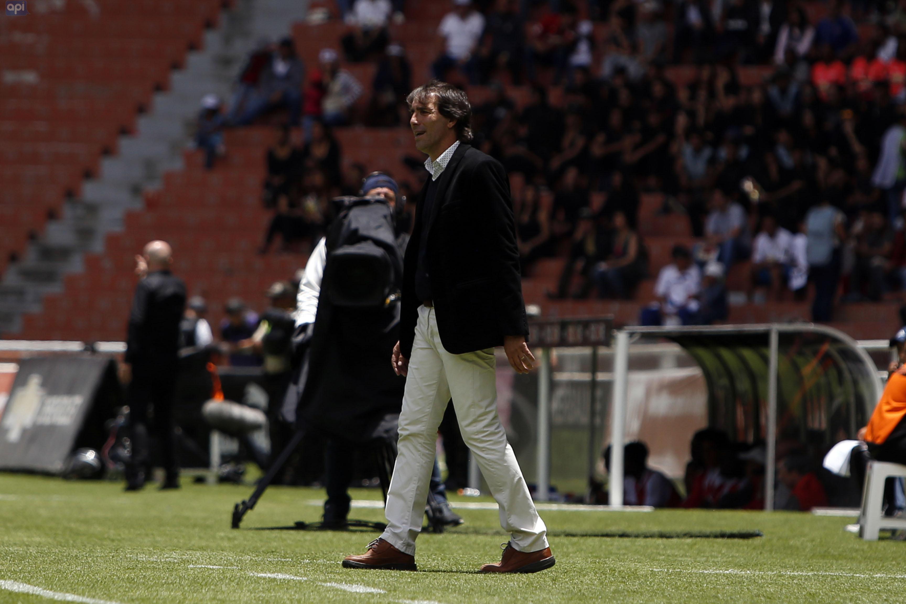 """Guillermo Almada mencionó que, """"por más que el ciclo puede estar cerca de terminar"""", buscará alcanzar los objetivos con Barcelona"""