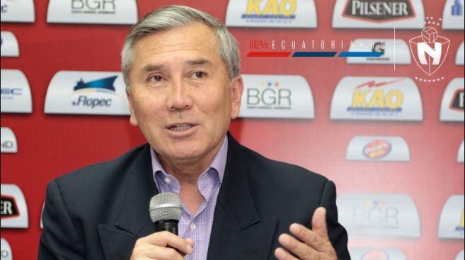 """Tito Manjarrez se refirió a las """"tres opciones para elegir al delantero que necesitamos"""" y descartó otros nombres"""