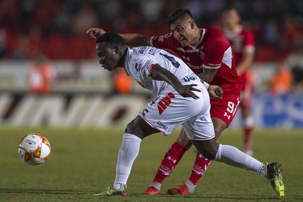 """El Veracruz de Luis Caicedo se mantiene con cero puntos en el Clausura del fútbol mexicano al caer esta vez ante los """"Rayados"""""""