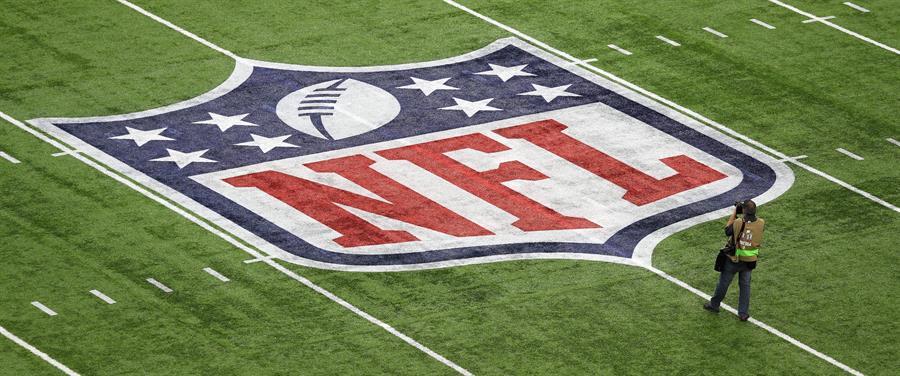 """""""La familia de la NFL está muy triste por los trágicos eventos en nuestro país"""", dijo Goodell"""