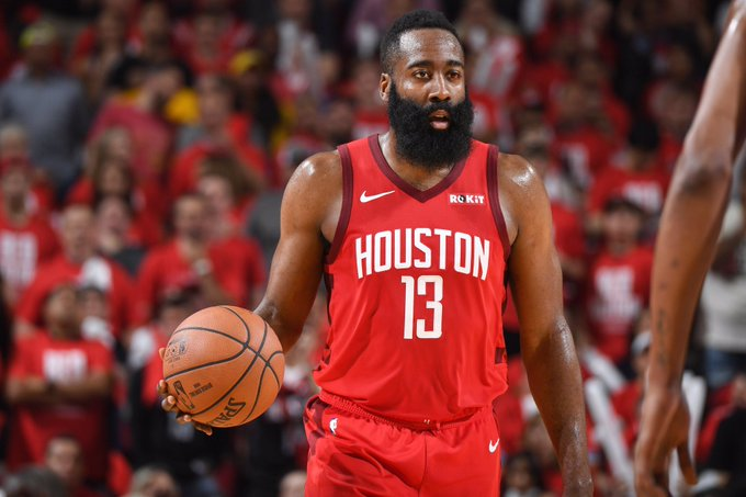 James Harden tuvo doble-doble de 36 puntos y 13 asistencias y los Rockets de Houston derrotaron 129-112 a los diezmados Warriors de Golden State
