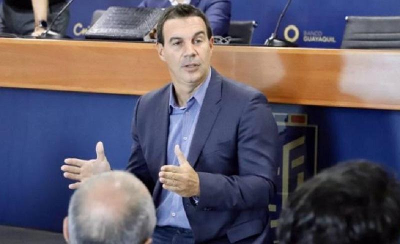El dirigente argentino aseguró que deja el cargo por temas familiares