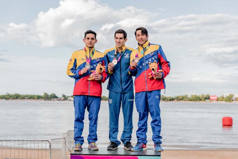El ecuatoriano Esteban Enderica gana medalla de oro en los Sudamericanos de Rosario tras lograr los 10km Aguas Abiertas