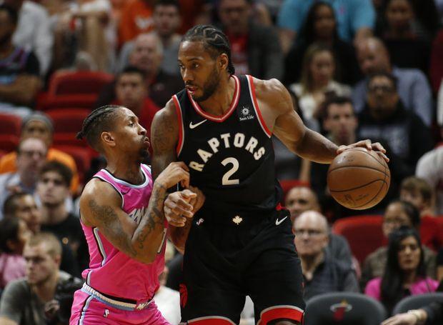 El alero Kawhi Leonard logró 30 puntos y ocho rebotes como líder encestador de los Raptors, que superaron a domicilio 104-106 a los Heat