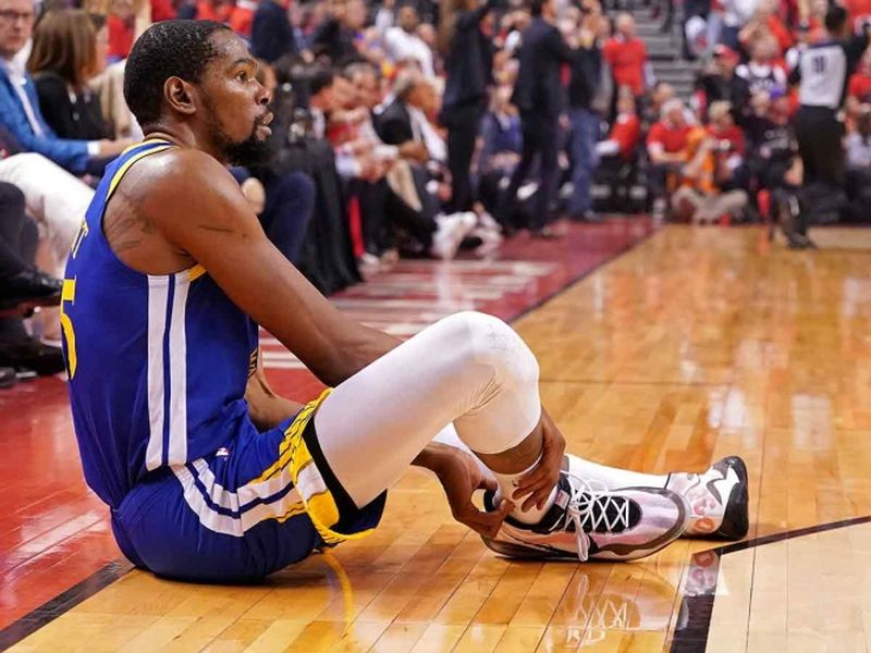 Era el primer partido que jugaba Durant tras una lesión en la pantorrilla que le había alejado de las pistas durante más de un mes