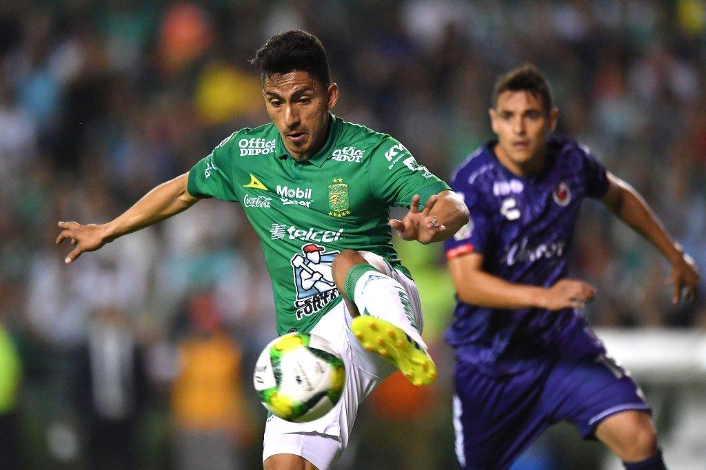 El jugador ecuatoriano aportó con asistencia para enrumbar la victoria de León sobre Veracruz y tomarse el liderato