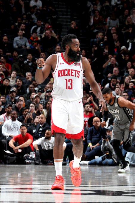 El esolta James Harden volvió a ser el líder encestador de los Rockets con 44 puntos y guió al triunfo a los visitantes por 100-107 ante los Grizzlies de Memphis