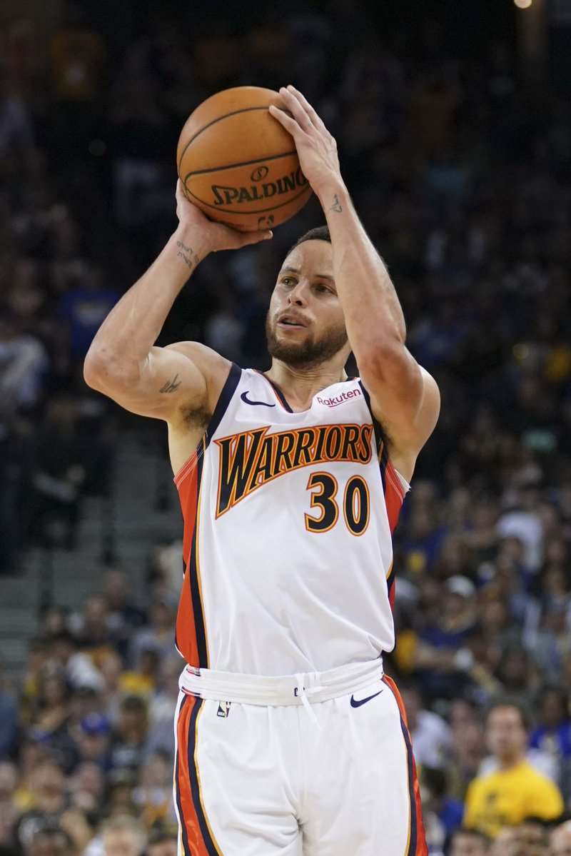 El base Stephen Curry anotó 27 puntos y ayudó a los Warriors a ponerse al frente de la Conferencia Oeste