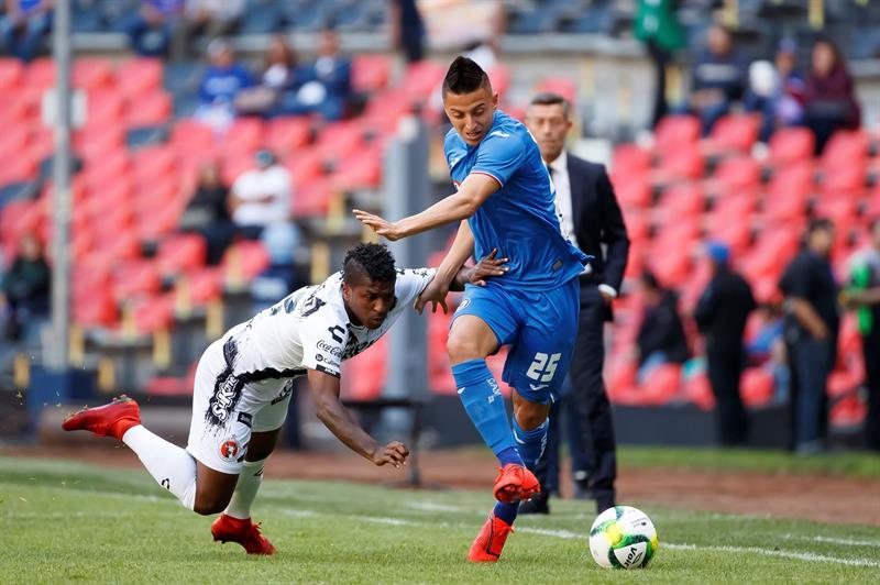 Miller Bolaños actuó hasta el minuto 77 en la caída ante Cruz Azul