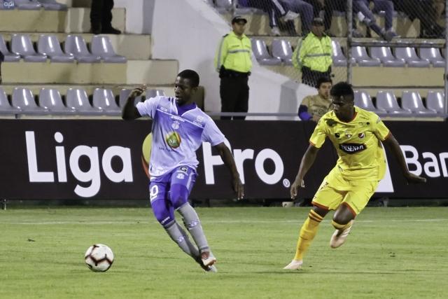 El volante no llegó a un acuerdo salarial con Deportivo Cuenca y saldría del equipo morlaco