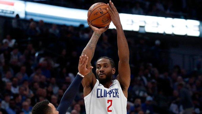El alero Kawhi Leonard, con una aportación de 28 puntos y ocho rebotes, fue el líder encestador de los Clippers, que vencieron de visitantes por 99-114 a los Mavericks