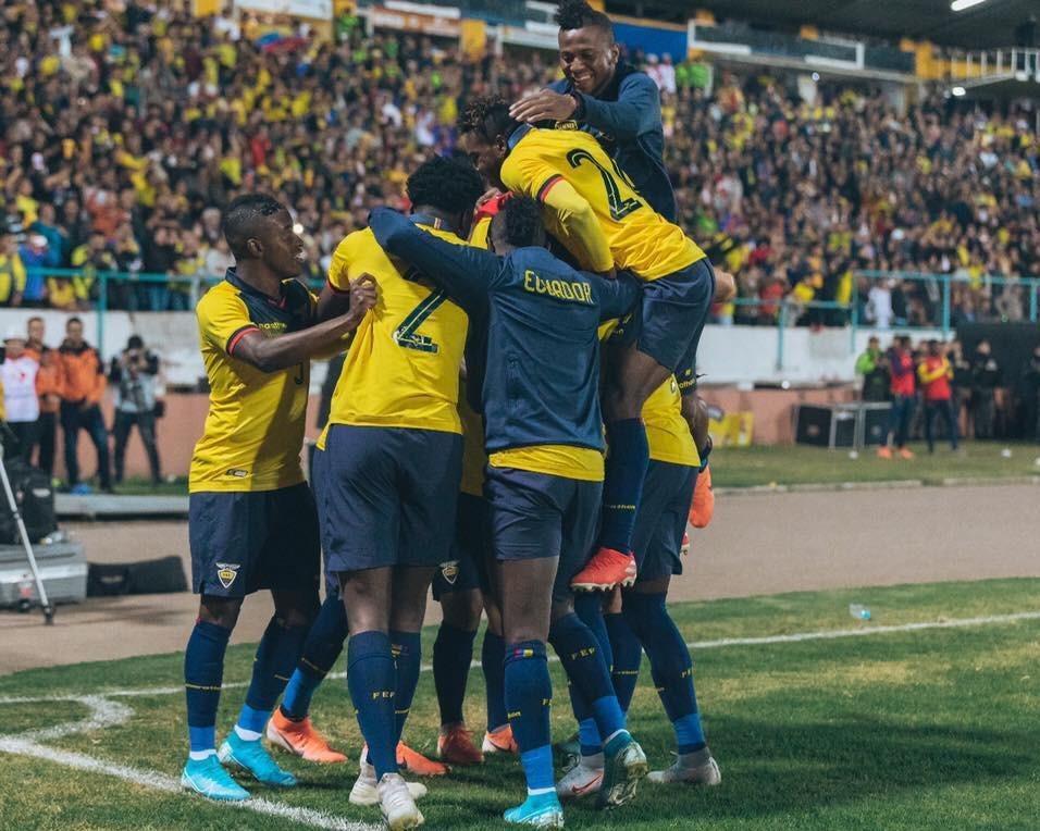 La Selección de Ecuador empieza su travesía para el amistoso contra Argentina este domingo